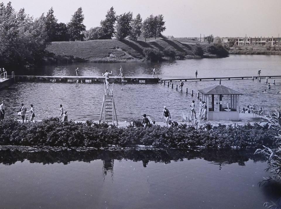 Nieuwe zwembad met het oude nog in zicht