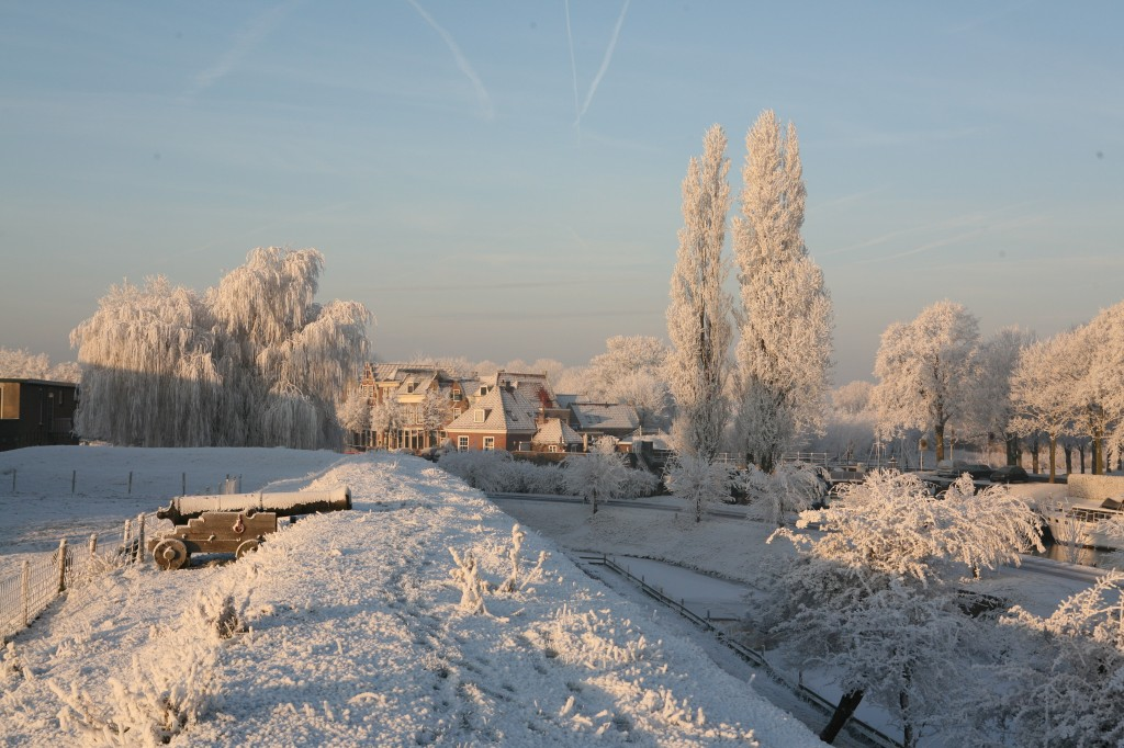 vesting in de sneeuw